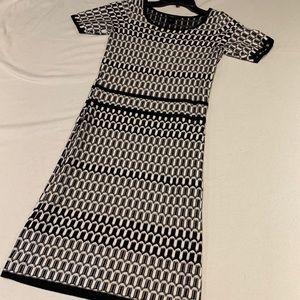 Ann Taylor petite dress black & white XSP